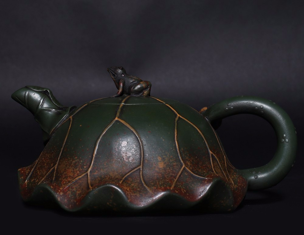 Rare Old Chinese Zisha pottery Carving Lotus Leaf Teapot Marked JiangRong HK011