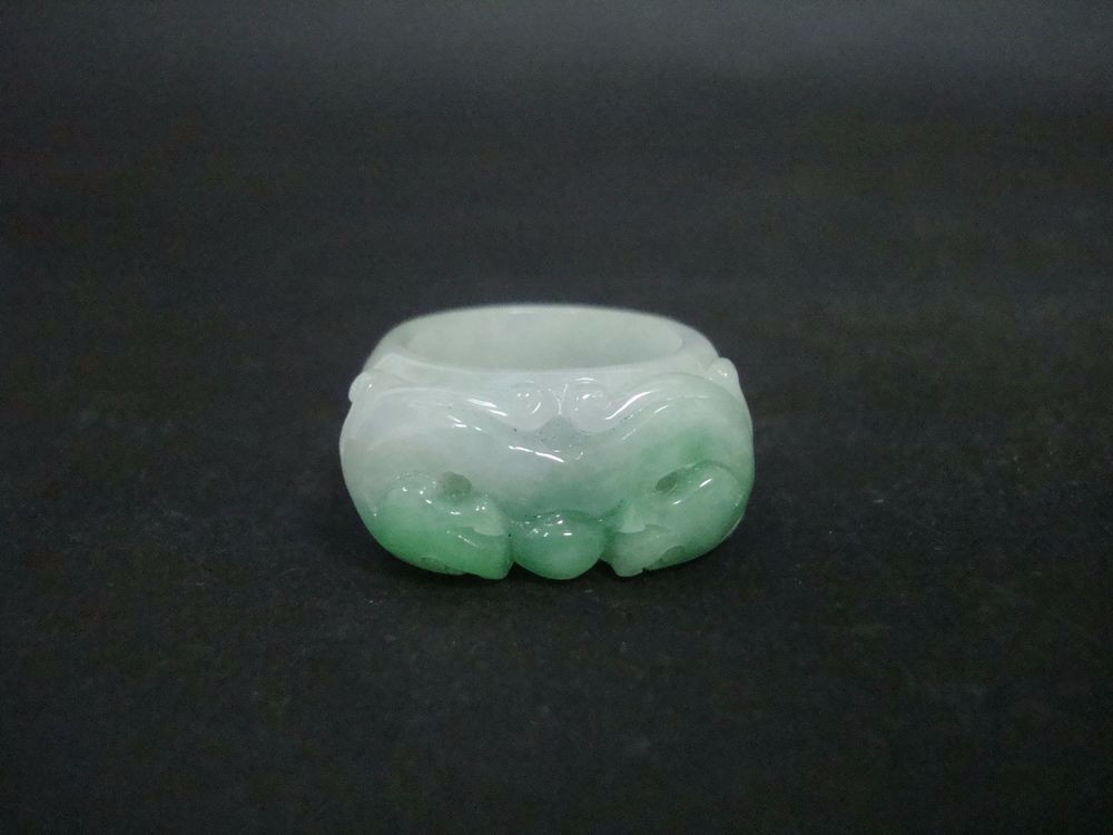 Rare Chinese Natural G/W Jadeite Dragons Carving Emerald Finger Ring QA823