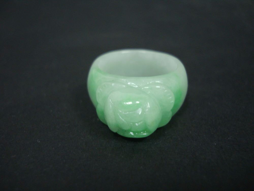 Fine Chinese Natural G/W Jadeite Hand Carving Flower Emerald Finger Ring QA824